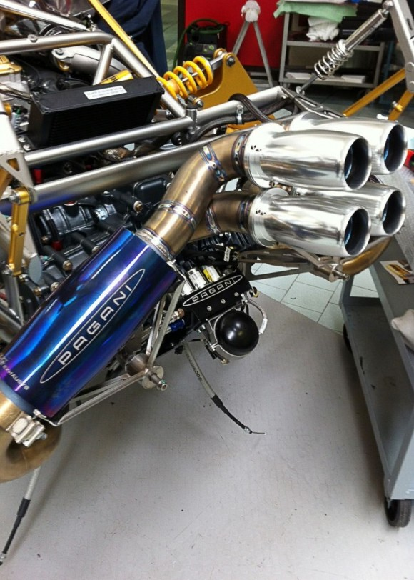 pagani-huayra-exhaust-system.jpg-731x1024